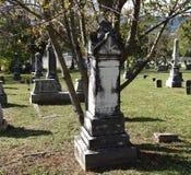 Vecchio cimitero della pietra tombale Fotografia Stock
