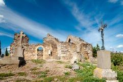 Vecchio cimitero vicino a Lastours fotografia stock