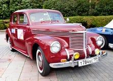 Vecchio colore rosso classico dell'automobile Fotografia Stock