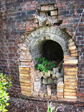 Vecchio contenitore antico di fuoco della fornace per mattoni Fotografie Stock Libere da Diritti