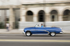 Vecchio convertibile a Avana Immagine Stock