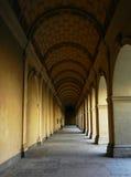 Vecchio corridoio classico Immagine Stock Libera da Diritti