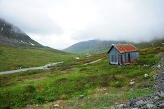 Vecchio cottage della miniera in montagna Immagine Stock Libera da Diritti