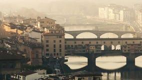 Vecchio del ponte dell'Italia Firenze stock footage