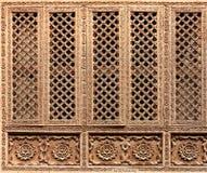 Vecchio dettaglio nepalese tradizionale di legno della finestra Fotografie Stock Libere da Diritti