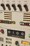 Vecchio dettaglio sottomarino dell'attrezzatura della radiotrasmittente Devic militare immagine stock libera da diritti