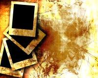 Vecchio documento con le polaroid Fotografie Stock