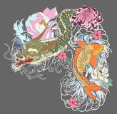 Vecchio drago con stile giapponese del tatuaggio della carpa a specchi Fotografia Stock