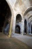 Vecchio Dungeon medioevale antico della pietra del castello Fotografie Stock