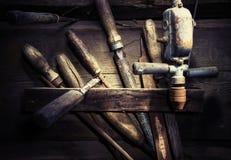 Vecchio e Rusty Wood Hardware Immagine Stock