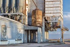 Vecchio elevatore di grano Immagine Stock Libera da Diritti