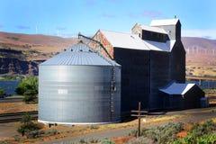 Vecchio elevatore di grano quadrato Fotografia Stock Libera da Diritti