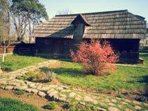 Vecchio esterno 2 della casa di campagna Immagine Stock