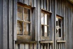 Vecchio fabbricato agricolo del legname fotografie stock