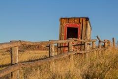 Vecchio fabbricato annesso sul ranch del Wyoming Immagini Stock
