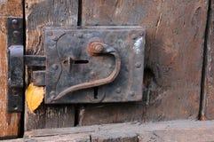 Vecchio fermo di portello Fotografie Stock