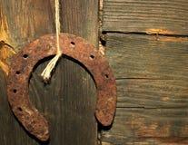 Vecchio ferro di cavallo arrugginito Fotografie Stock Libere da Diritti