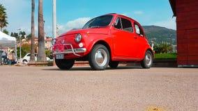Vecchio Fiat rosso 500 L archivi video