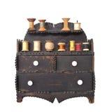 Vecchio filetto e casella di cucito isolati Fotografie Stock