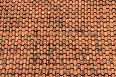 Vecchio fondo del tetto di mattonelle Fotografie Stock