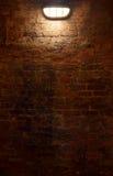 Vecchio fondo dell'indicatore luminoso e della parete Fotografie Stock Libere da Diritti