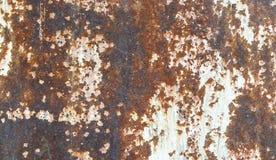 Vecchio fondo metallico stagionato con smalto bianco Fotografie Stock