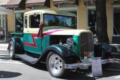 Vecchio Ford Pickup-1933 alla manifestazione di automobile Fotografia Stock