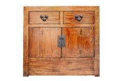 Vecchio gabinetto classico di legno di stile del legno di mogano dei cassetti isolato su bianco con il percorso di ritaglio immagini stock