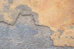 Vecchio gesso scheggiato sul muro di cemento, fondo di struttura Fotografia Stock Libera da Diritti
