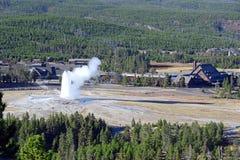 Vecchio geyser fedele, parco nazionale di Yellowstone, Wyoming Fotografia Stock