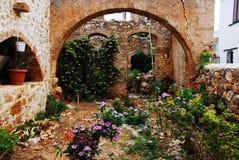 Vecchio giardino in Creta Fotografie Stock Libere da Diritti