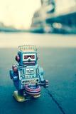 Vecchio giocattolo del robot Fotografia Stock Libera da Diritti