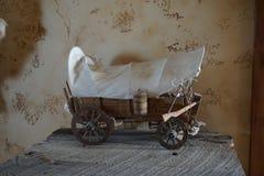 Vecchio giocattolo del vagone Fotografia Stock