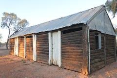 Vecchio granaio abbandonato nell'entroterra di Territorio del Nord dell'Australia fotografia stock libera da diritti