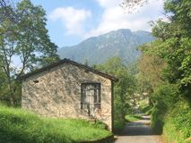 Vecchio granaio in campagna Immagine Stock