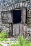 Vecchio granaio di pietra Fotografie Stock Libere da Diritti