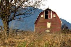 Vecchio granaio rosso Fotografie Stock Libere da Diritti