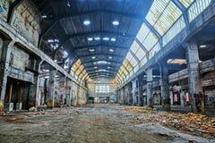 Vecchio ha distrutto un fabryka.HDR abbandonato immagine stock