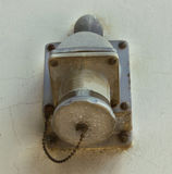 Vecchio incavo elettrico sulla parete Fotografie Stock Libere da Diritti