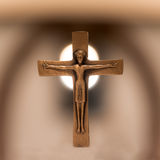 Vecchio incrocio cristiano dell'altare Fotografia Stock Libera da Diritti