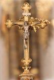 Vecchio incrocio cristiano dell'altare Fotografia Stock