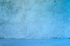 Vecchio interiore blu grungy abbandonato. Fotografie Stock Libere da Diritti