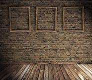 Vecchio interiore del grunge con i blocchi per grafici in bianco Immagini Stock