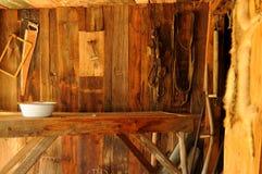 Vecchio interiore della fattoria fotografie stock libere da diritti