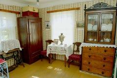 Vecchio interiore russo della casa Fotografia Stock Libera da Diritti