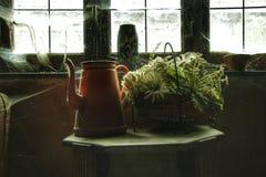 Vecchio interno di una casa abbandonata Immagini Stock Libere da Diritti