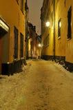 Vecchio inverno della via della città di Stoccolma Immagine Stock Libera da Diritti