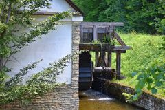 Vecchio laminatoio di acqua Immagine Stock