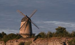 Vecchio laminatoio di vento fotografie stock libere da diritti