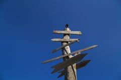 Vecchio legno con le insegne di legno Fotografie Stock Libere da Diritti
